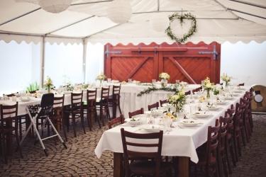 rustik svatební hostina