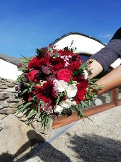 bordo svatebni kytice