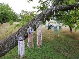 svatba v sadu
